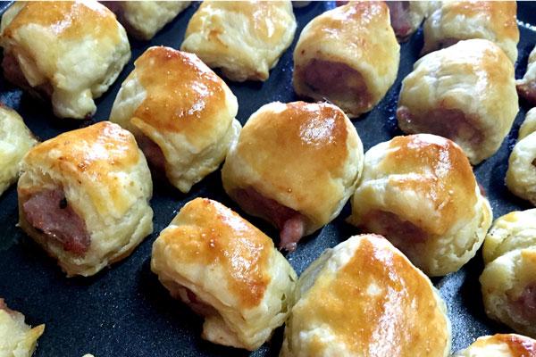 Pork sausage rolls with apple