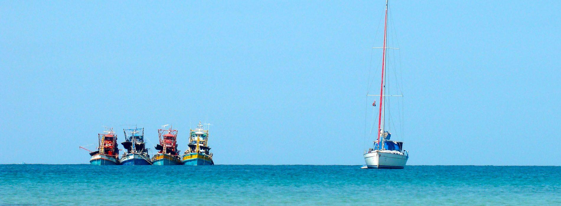 SE-Asia-Thailand-fishing-trawlers